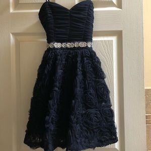 Holiday dress Sweetheart neckline w/ rhinestones